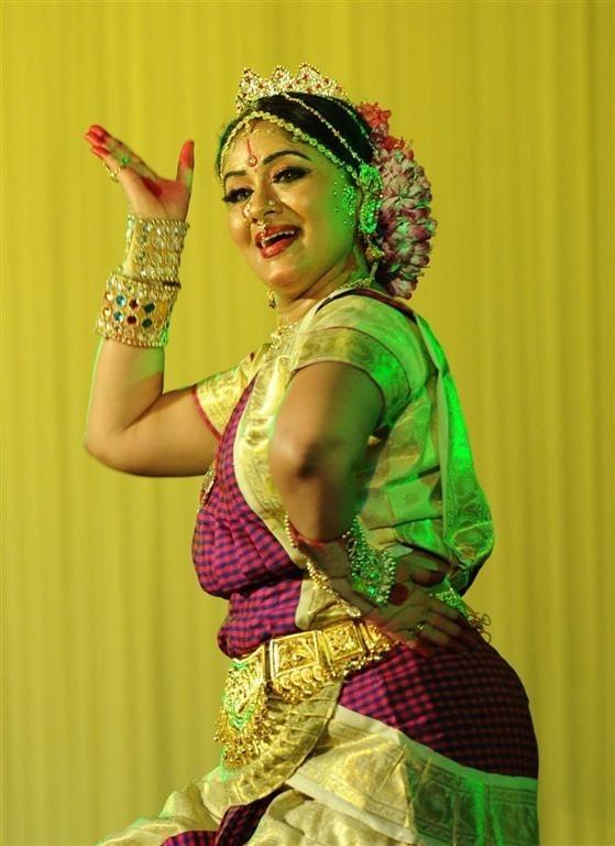 Trong một tai nạn giao thông năm 1981, Sudha Chandran bị mất chân phải do bị nhiễm trùng trong phẫu thuật. Ảnh: TL.