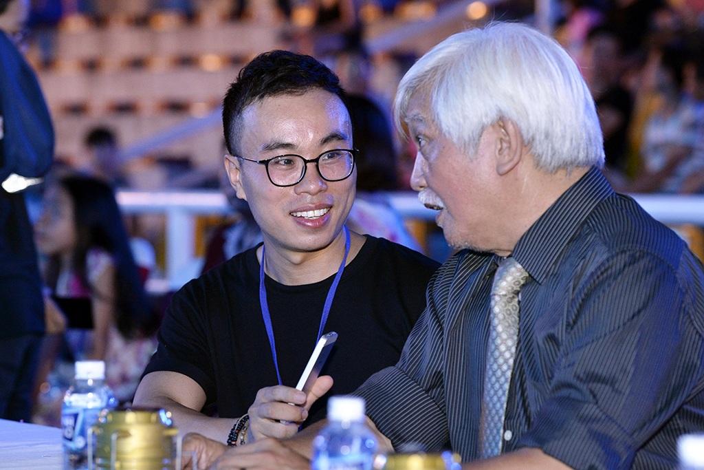Nhà sử học Dương Trung Quốc chia sẻ với phóng viên bên lề Chung khảo phía Bắc Hoa hậu Việt Nam 2016.