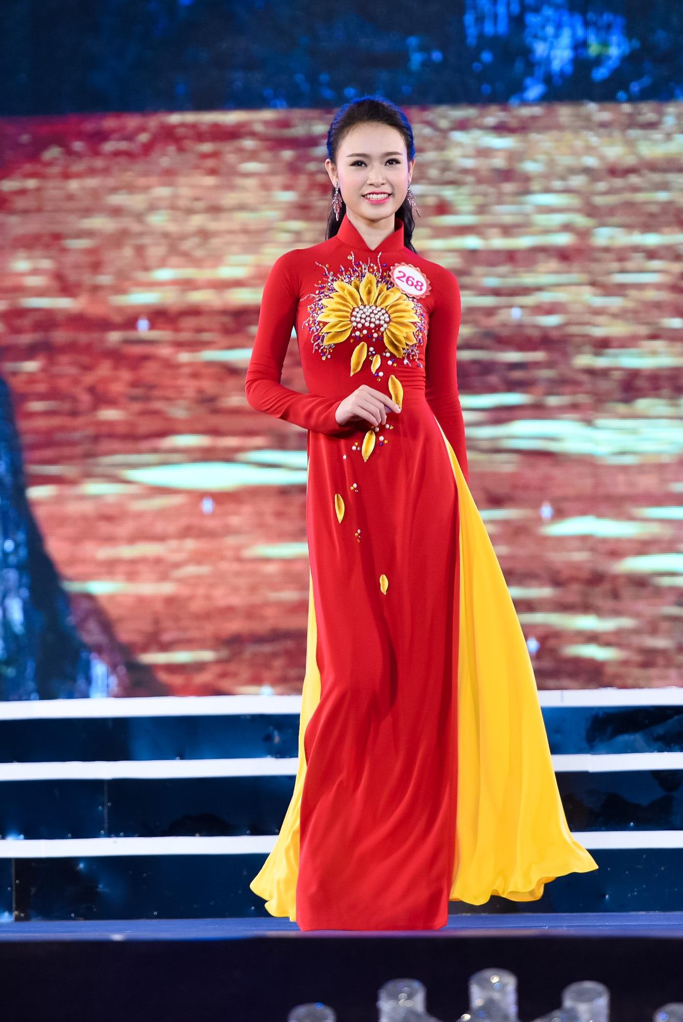 Trở về nước với giải thưởng danh giá, Ngọc Vân được nhận bằng khen của Bộ Giáo dục và Đào tạo, cùng chứng nhận tuyển thẳng vào các trường Đại học tại Việt Nam. Ngọc Vân đã quyết định chọn Khoa Kinh tế Đối ngoại của trường ĐH Ngoại thương, với mong muốn từ đây, cô sẽ có nhiều điều kiện học tập, phát triển và đóng góp nhiều hơn cho ngành xuất nhập khẩu của đất nước.