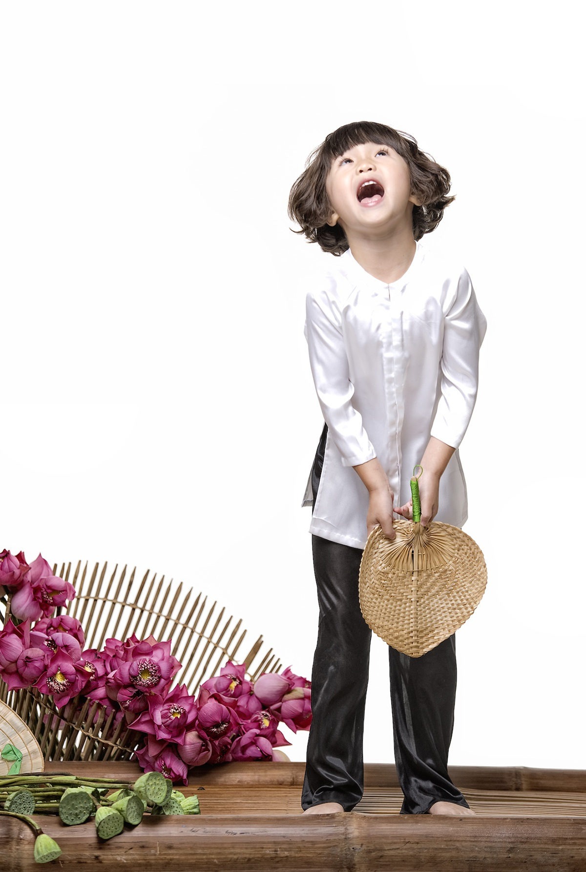 Con gái Thuý Nga hoá cô bé tóc xù đầy hài hước - 8