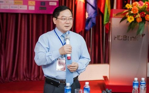 Ông Lê Xuân Sơn sẽ là người trao vương miện cho Hoa hậu Việt Nam 2016. Ảnh: TL.