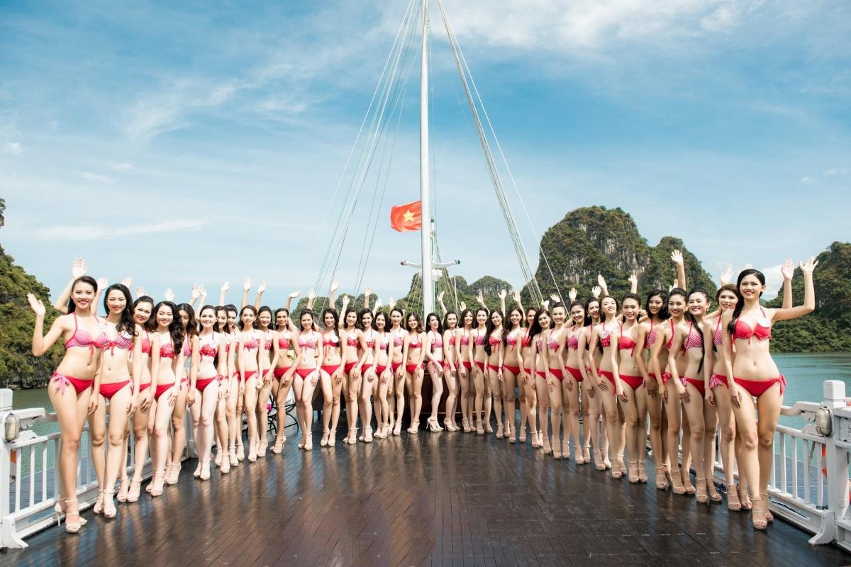 Từ đầu cuộc thi đến nay, BTC Hoa hậu Việt Nam rất chú trọng đến các bộ hình thời trang. Các hình ảnh trong studio phông trắng đến bối cảnh tự nhiên đều do các nhiếp ảnh gia tên tuổi, giàu kinh nghiệm thực hiện. Thông qua các bộ ảnh, khán giả các nước có cái nhìn đa dạng về vẻ đẹp và khả năng biến hóa của các thí sinh.