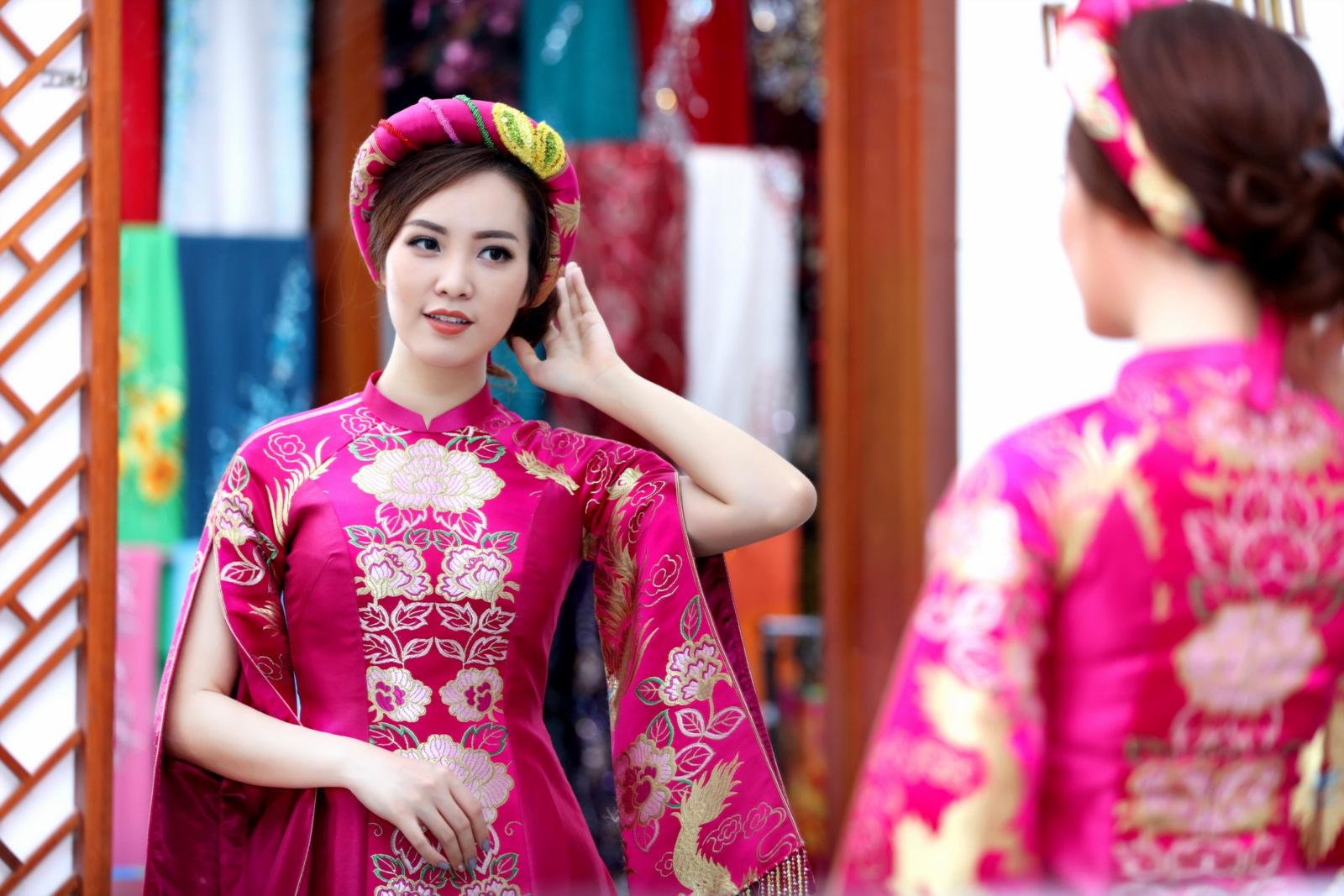 Thuỵ Vân thử trang phục chuẩn bị làm MC Chung kết Hoa hậu Việt Nam - 2