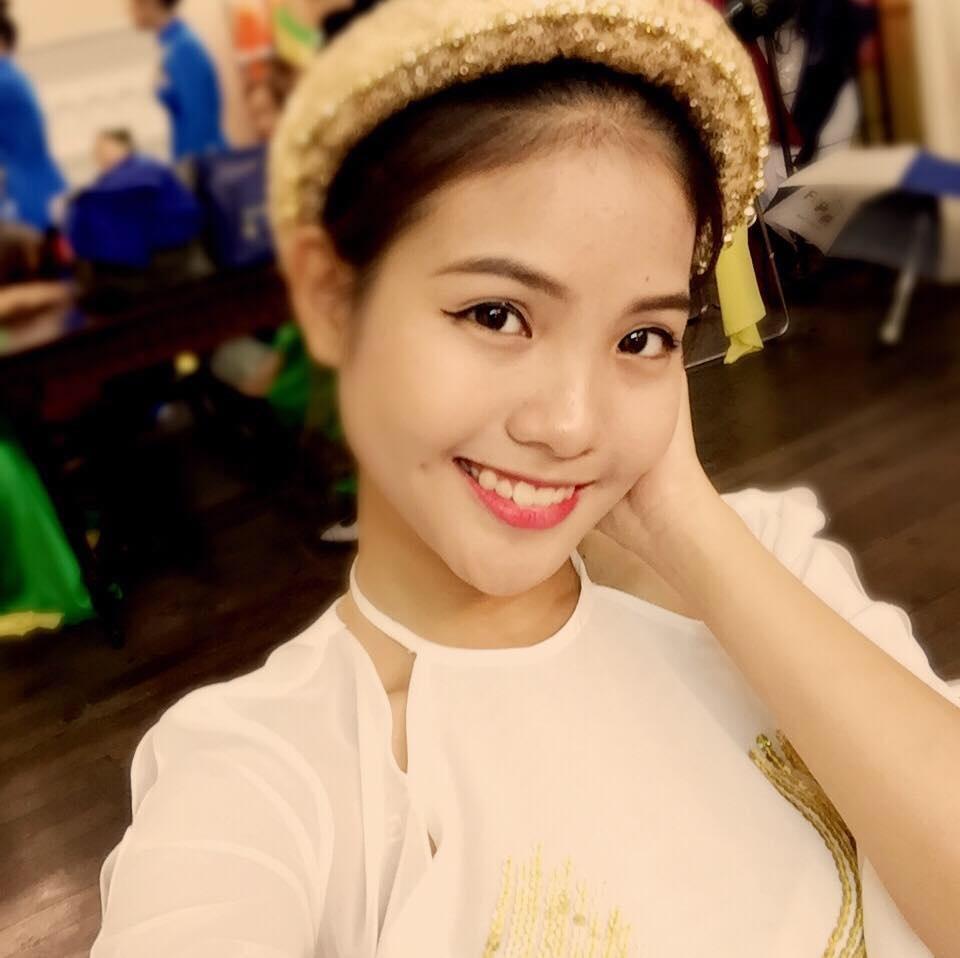 Theo một người bạn thân của Trần Vũ Khánh Linh – bà xã tương lai của Chí Anh thì Khánh Linh sinh năm 1998.