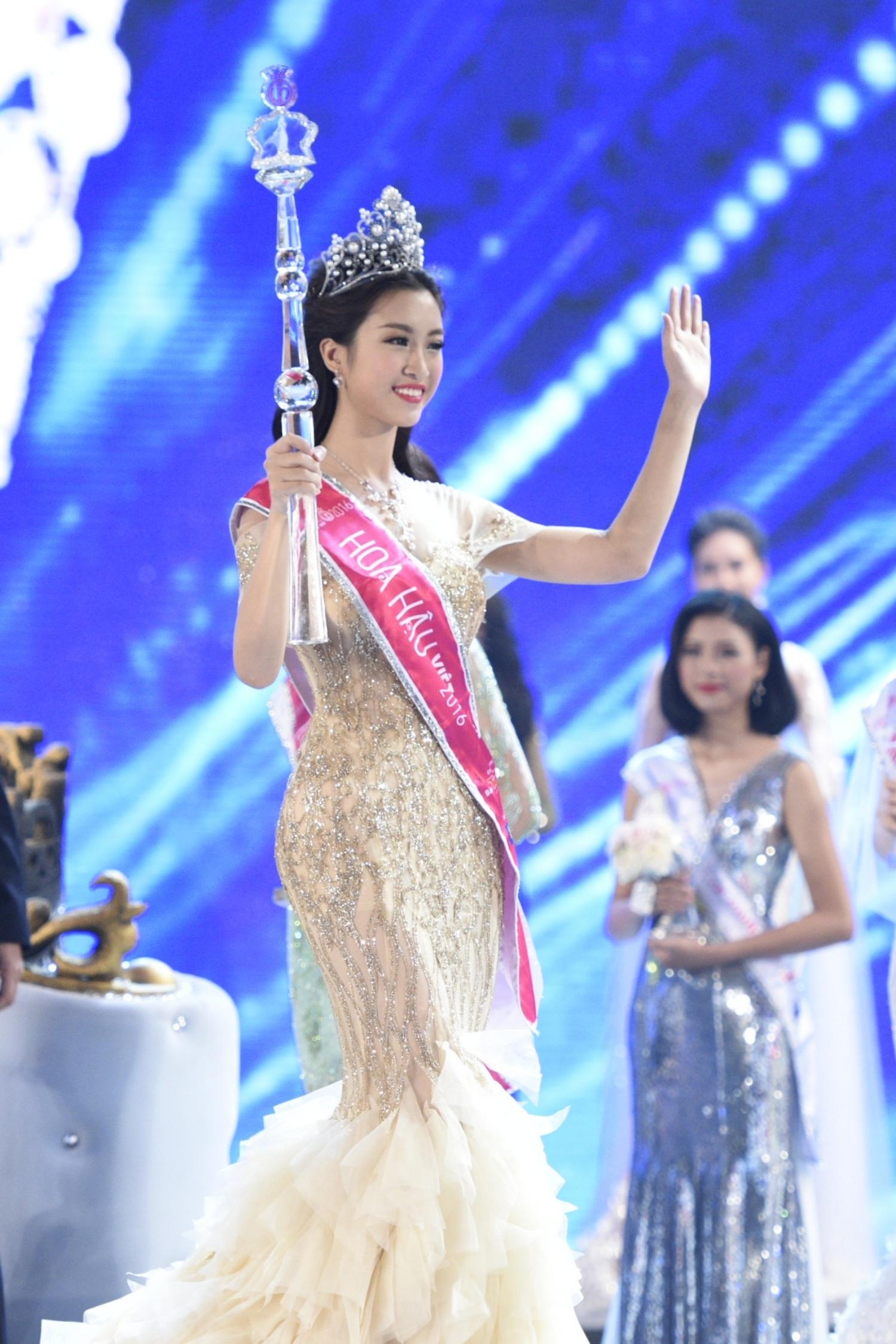 Ngắm nhan sắc nóng bỏng của tân Hoa hậu Việt Nam Đỗ Mỹ Linh - 19