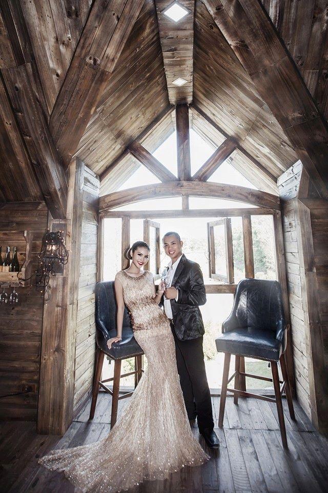 Bức ảnh cưới hiếm hoi của Chí Anh với cô dâu Khánh Linh ở thời điểm hiện tại.