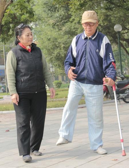 Nghệ sĩ Kim Xuyến đã hơn 10 năm chăm chồng bị tai biến. Ảnh: Thanh Hà.