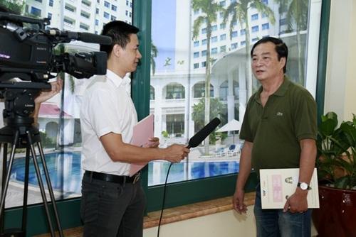 NSND Khải Hưng cho rằng, Việt Nam vẫn làm phim hết sức nghiệp dư. Ảnh: ĐLP.