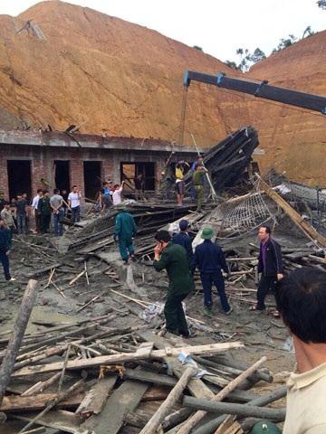 Lực lượng biên phòng, công an huyện Hương Sơn cũng đã có mặt để giải cứu nạn nhân