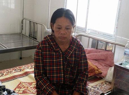Chị Nguyễn Thị Lý (mẹ nữ sinh Nga) hoang mang trước sự việc.