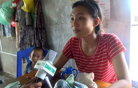 Chị Lê Thị Toàn, ngư dân xã Thạch Kim: Mong sớm nhận được đền bù, hỗ trợ thiệt hại để bà con ngư dân có kinh phí ổn định kinh doanh, vượt qua khó khăn.