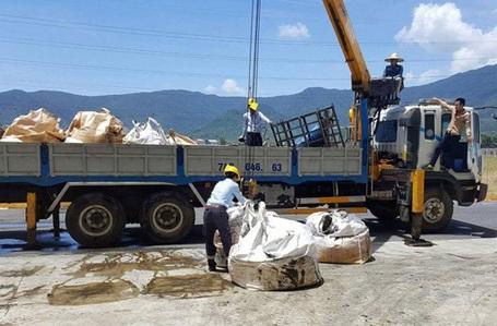 Theo ông Đinh, đã có 145,5 tấn chất thải nguy hại được Cty Phú Hà chở ra Phú Thọ để xử lý.