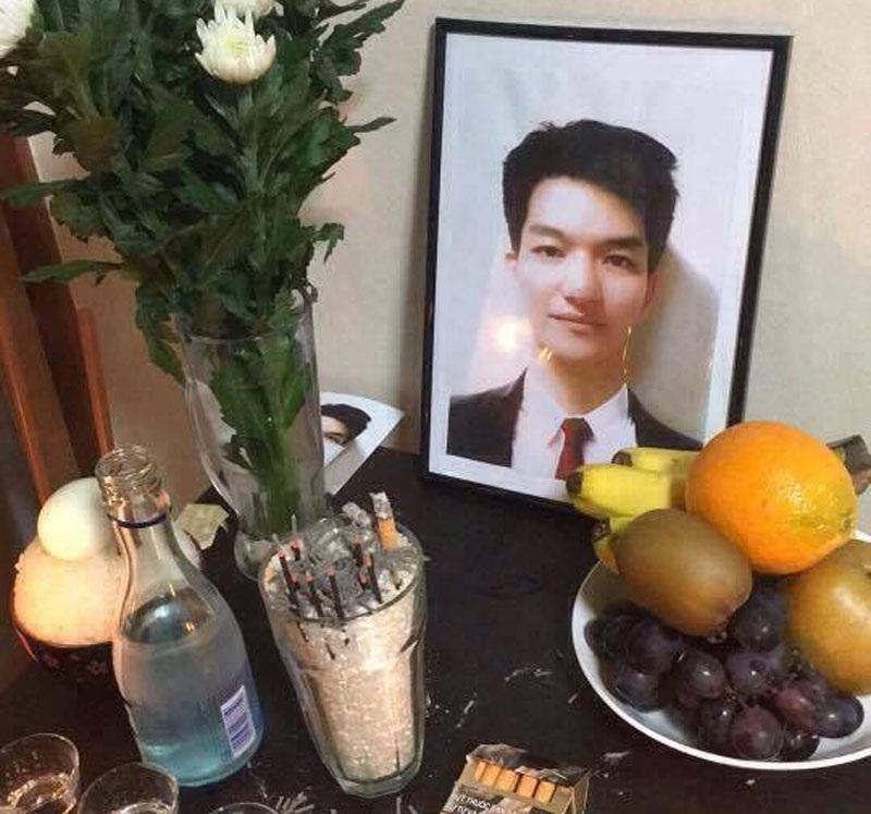 Bàn thờ anh Quang được bạn bè lập ở Nhật Bản