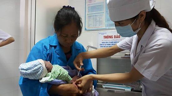 Tiêm vắc xin viêm gan B 24h đầu sau sinh là một trong những biện pháp ngừa mắc viêm gan B hiệu quả.