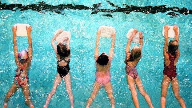 Cứu bệnh nhân đuối nước khi đang tập bơi - 1