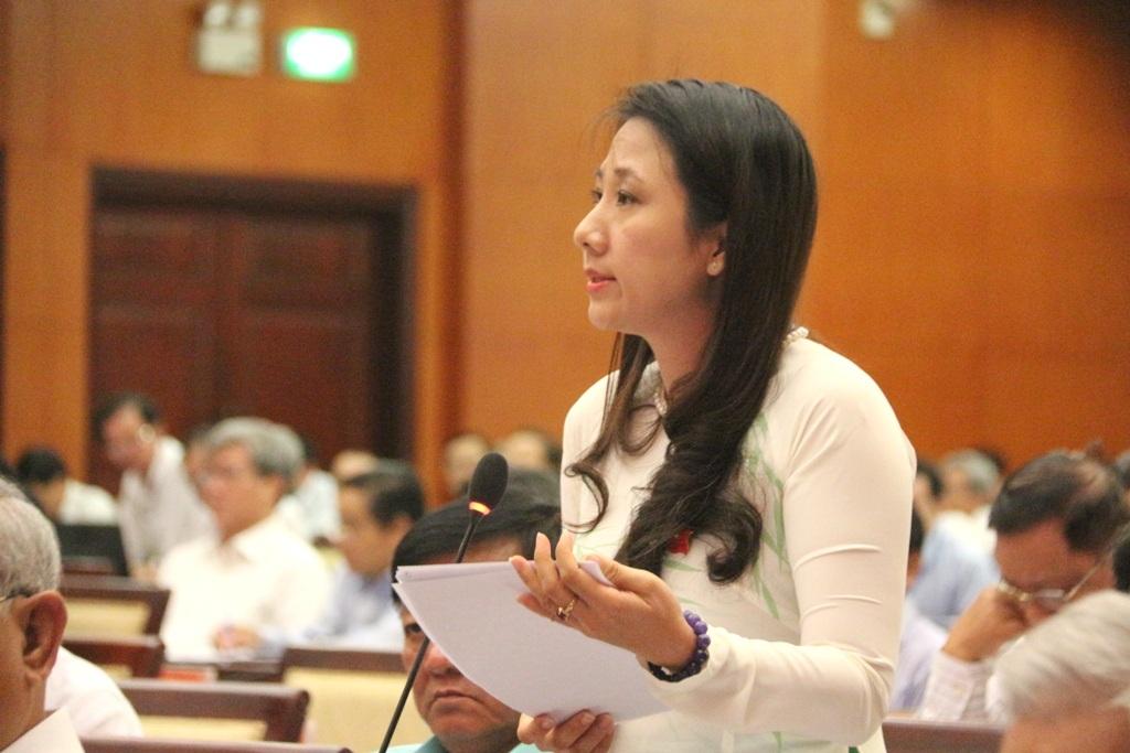Đại biểu Phạm Thị Thanh Hiền phản ánh trò chơi bắn cá là cờ bạc trá hình nhưng được cấp phép rất dễ dàng