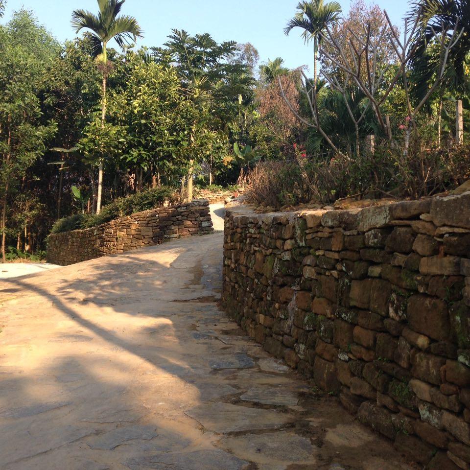 Hàng rào đá trở thành một phần đời sống, nét văn hóa đặc sắc không thể nào bỏ qua khi khám phá vùng đất này