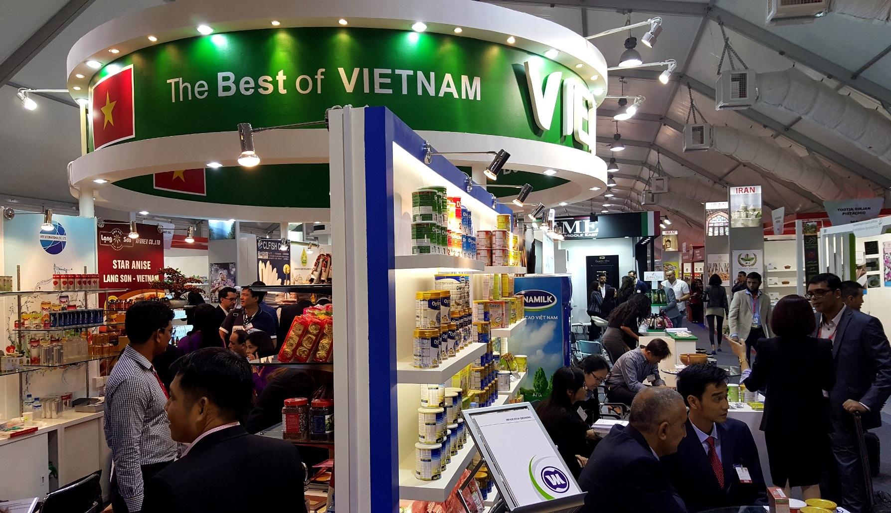 Khu vực gian hàng các doanh nghiệp Việt Nam tại hội chợ Gulfood 2016