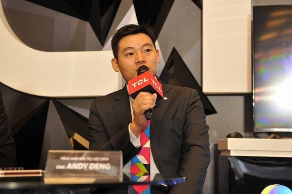 Ông Andy Deng – Tổng giám đốc TCL Việt Nam trả lời báo chí tại buổi ra mắt TV QUHD Series C1