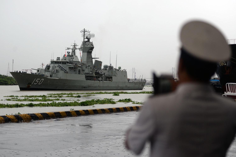Tàu khu trục HMAS Anzac cập bến tại cảng Sài Gòn chiều 30/5