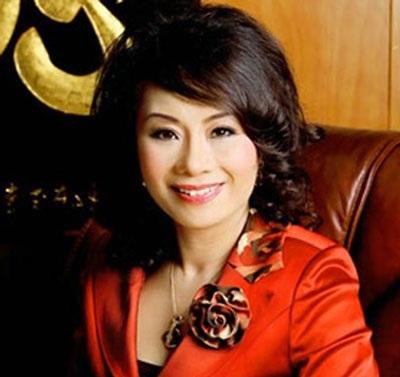 Hoa hậu quý bà Trương Thị Tuyết Nga bị truy tố về tội lừa đảo chiếm đoạt tài sản (ảnh Tuấn Hợp)