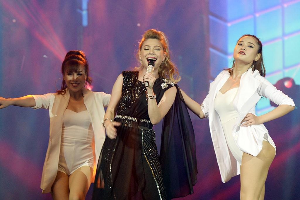 Live show Keep on moving là cột mốc đánh dấu 20 năm ca hát của Thanh Thảo.