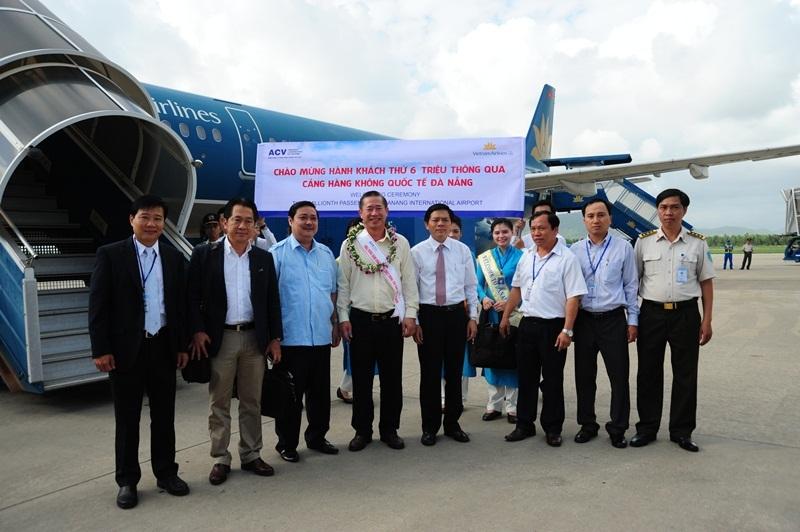 Lễ đón hành khách thứ 6 triệu thông qua Cảng hàng không quốc tế Đà Nẵng