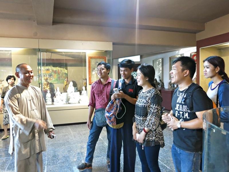 Những câu chuyện xoay quanh những hiện vật trưng bày ở Bảo tàng hấp dẫn người nghe