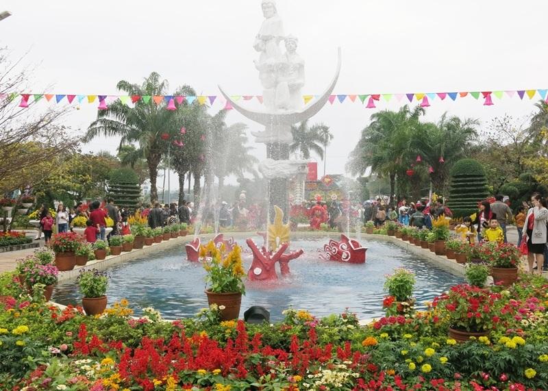 Khuôn viên Công viên 29-3 rực rỡ muôn sắc hoa xuân