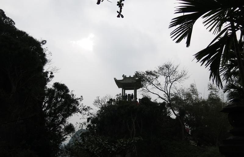 Vọng Gác Đài trên đỉnh Ngũ Hành Sơn