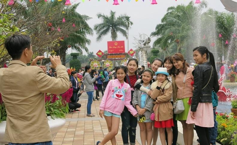 Các điểm du lịch ở Đà Nẵng đã đón hơn 100 nghìn lượt khách đến tham quan, giải trí trong kỳ nghỉ Tết Bính Thân 2016