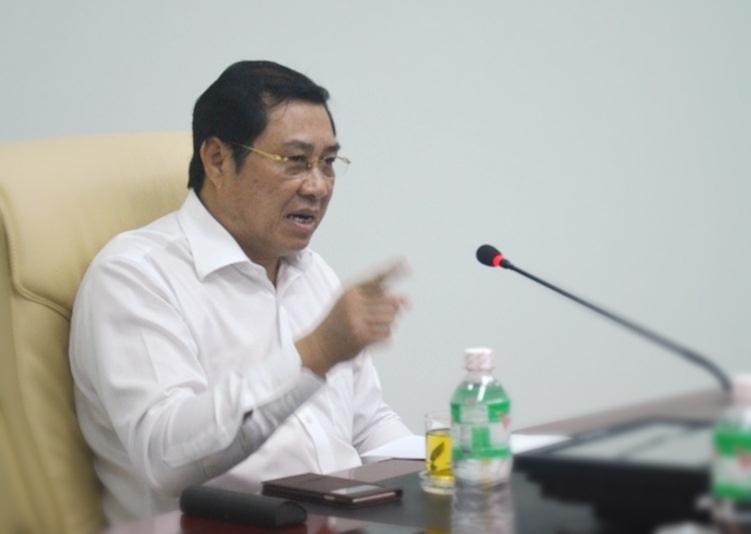 Chủ tịch TP Đà Nẵng Huỳnh Đức Thơ chỉ đạo đình chỉ công tác Giám đốc Cảng vụ Đà Nẵng