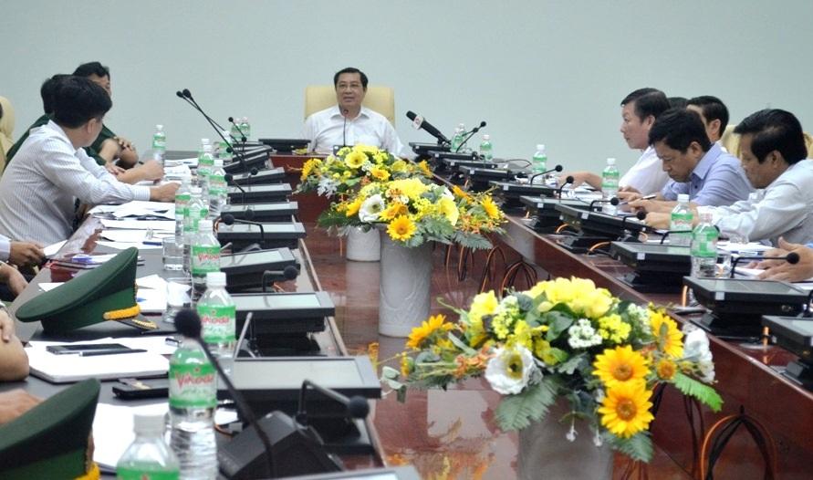 Lãnh đạo UBND TP Đà Nẵng họp truy vấn trách nhiệm từng cá nhân, đơn vị trong vụ lật tàu chở du khách trên sông Hàn
