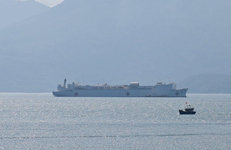 Tàu bệnh viện của Hoa Kỳ USNS Mercy vừa đến Đà Nẵng