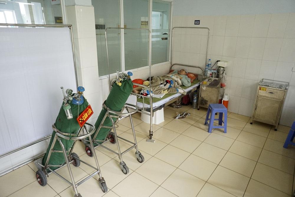 Tại phòng bệnh của Trang ở Bệnh viện Ung bướu Hà Nội. Sau nhiều năm công hiến cho thể thao, Trang gặt hái được không ít vinh quang song cuộc đời cũng quá nhiều nghiệt ngã!