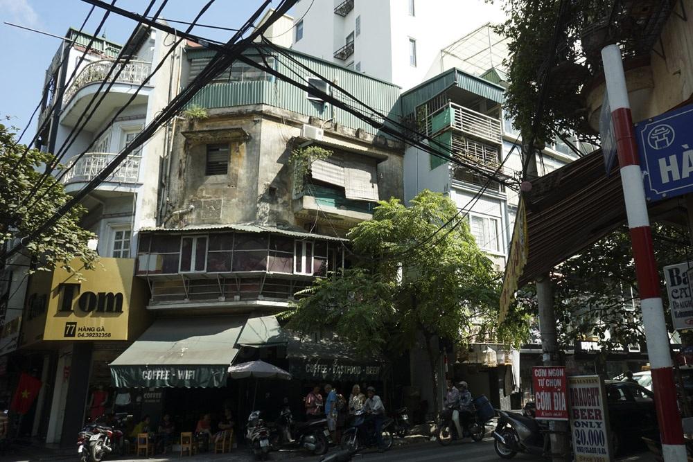 Mặt phố Hàng Gà