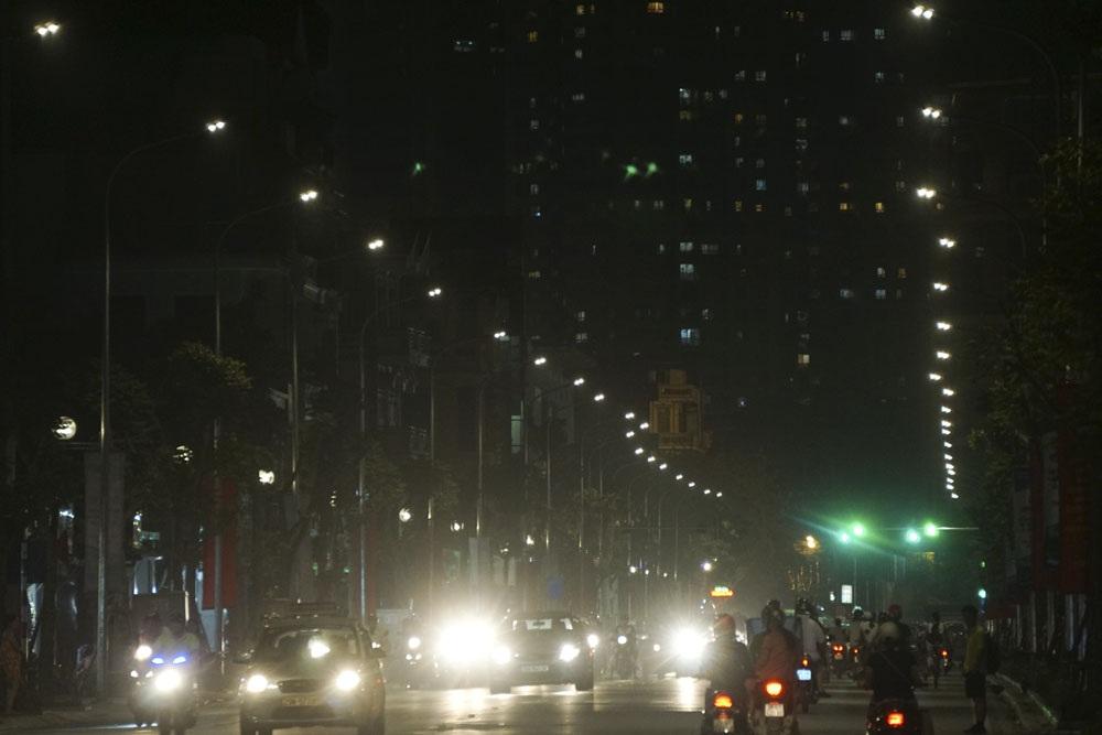 Hệ thống đèn led chiếu sáng vào buổi tối.