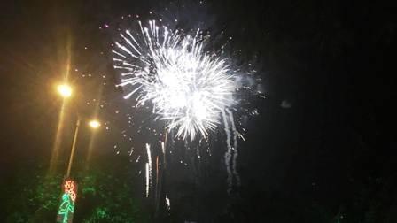 """Pháo """"nở hoa"""" trên bầu trời chào năm mới Bính Thân - 41"""