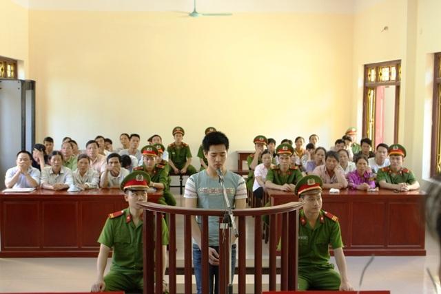 Bị cáo Nguyễn Minh Vương tại vành móng ngựa