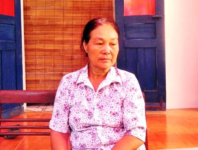 Bà Nguyễn Thị Chuyên (60 tuổi) - cô ruột anh Chính