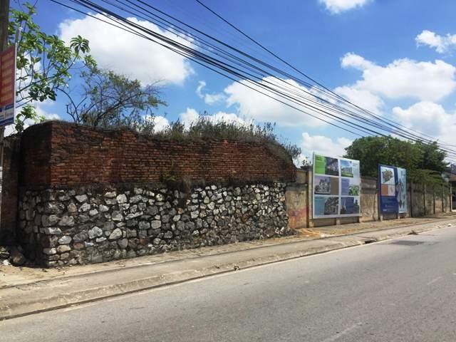 Những bờ tường bao kéo dài của Nhà máy Dệt sắp tới sẽ chỉ còn lại trong ký ức.