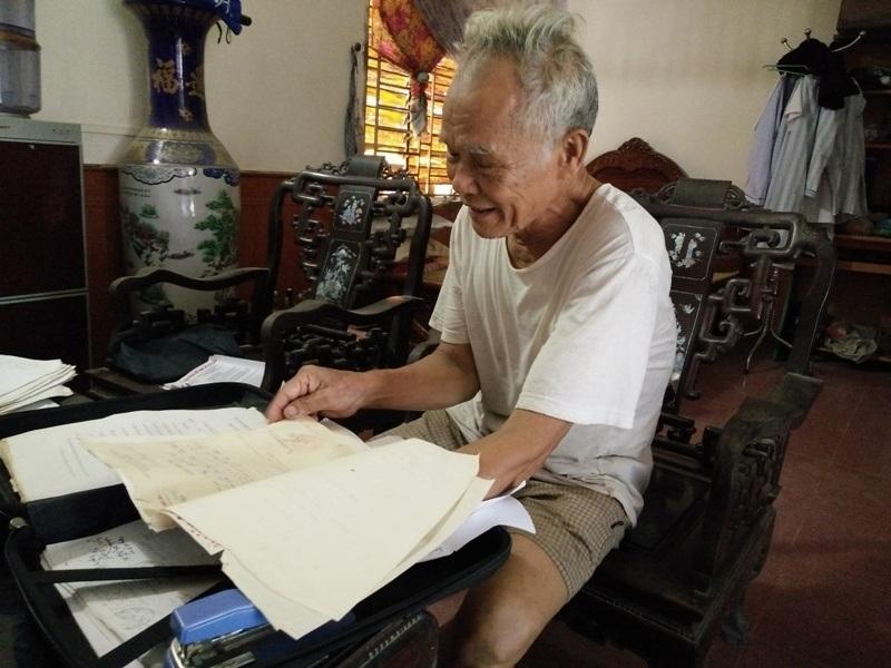 Ông Nguyễn Văn Vinh và người dân Yên Thắng mong muốn làm rõ số tiền bán đất bỏ ngoài ngân sách