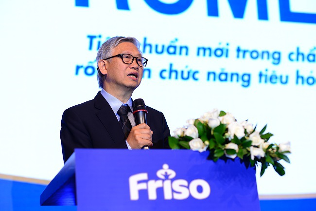 GS.TS Nguyễn Gia Khánh, Phó Chủ tịch Hội Nhi khoa Việt Nam phát biểu tại hội nghị
