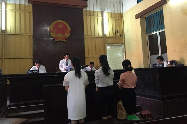 Phiên tòa phúc thẩm xét xử vấn đề tranh chấp của cổ đông và trường ĐH Hoa Sen