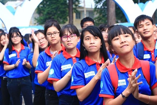 Năm nay có 20.000 sinh viên tham gia chương trình Tiếp sức mùa thi (ảnh: Tường Long)