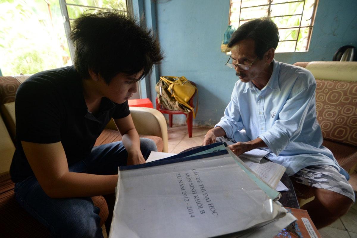 Ba cha con và hành trình thực hiện ước mơ vào giảng đường đại học - 11