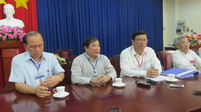 Thứ trưởng Bộ GD-ĐT Bùi Văn Ga trong buổi làm việc với cụm thi trường ĐH Khoa học xã hội và nhân văn