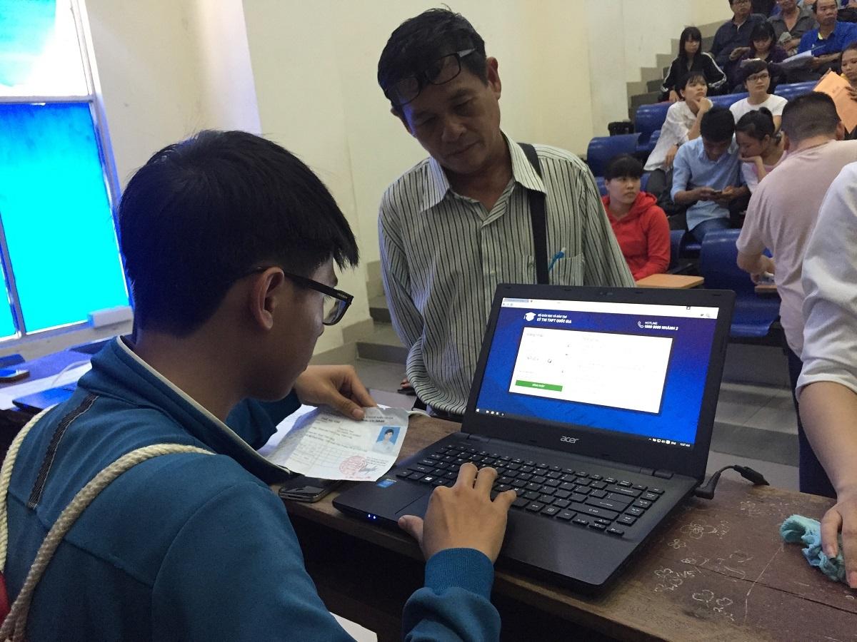 Thí sinh đăng ký xét tuyển online