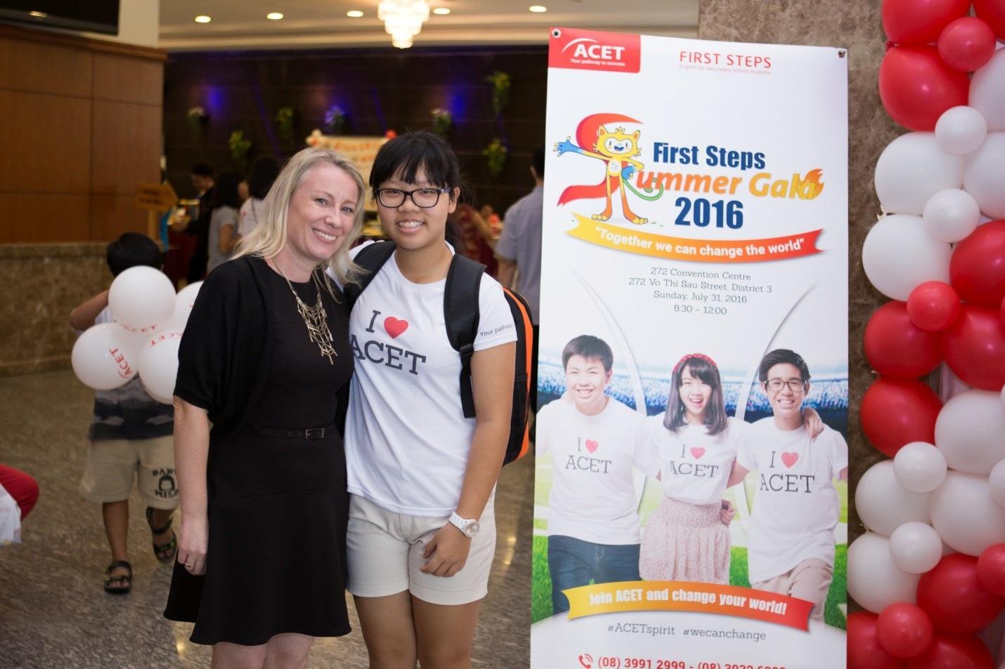 Cô Elizabeth Richards, Giáo viên phụ trách chương trình Anh ngữ First Steps tại trung tâm Anh ngữ ACET, TP.HCM