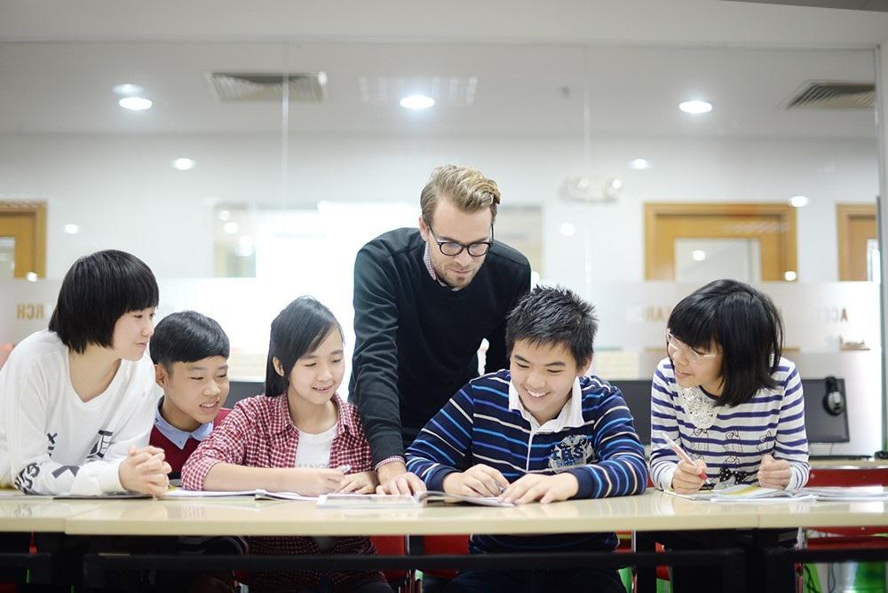 Việc học Anh ngữ học thuật sẽ giúp các em học sinh, đặc biệt là các em độ tuổi THCS có lợi thế hơn so với các bạn bè đồng trang lứa.